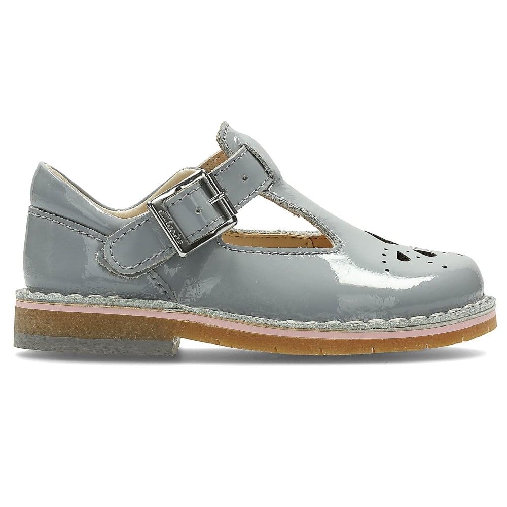 ladies footwear clarks
